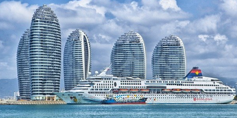 Business and Leisure Visitors to China
